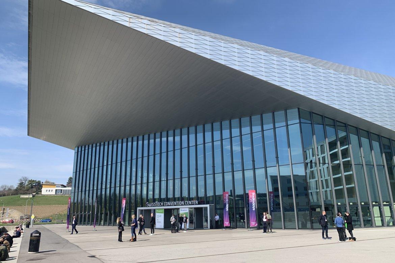 Blick auf das SwissTech Convention Centre
